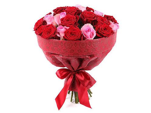 Букет из 25 роз, красно-розовый