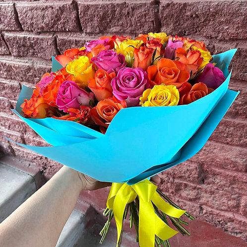 51 яркая кенийская роза-микс в оформлении