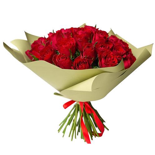 Букет из 51 кенийской розы с оформлением