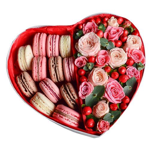 Букет в коробке-сердце Вкус любви