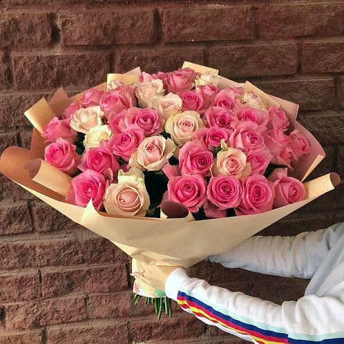 51 розовая роза-микс в оформлении