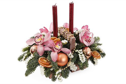 Рождественские свечи в кашпо
