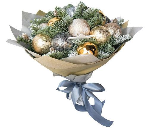 Рождественский букет из шариков