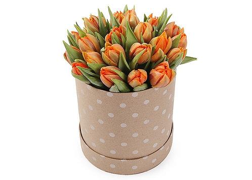 25 Оранжевых тюльпанов в шляпной коробке