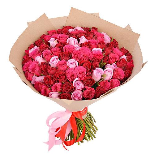 Букет из 101 кенийской розы-микс c оформлением