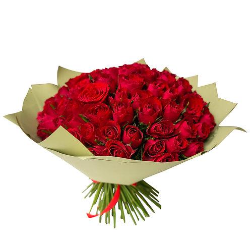 Букет из 101 кенийской розы с оформлением