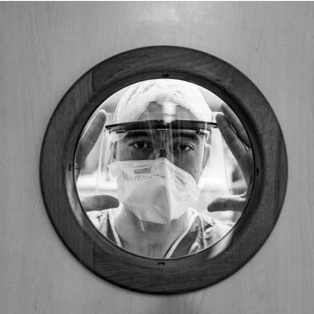 Coronavirus : Une infirmière de Mulhouse raconte en photos le combat des soignants