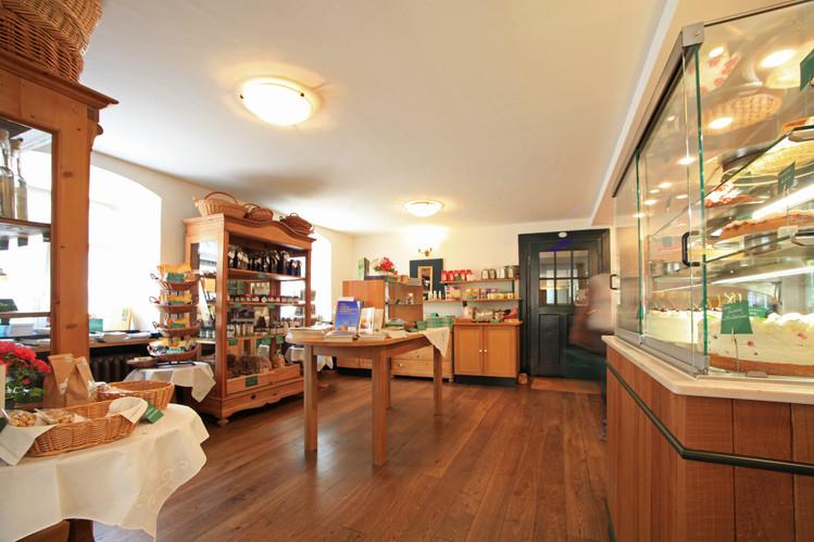 """Ein kleiner Laden mit """"Schönem vom Lande"""""""