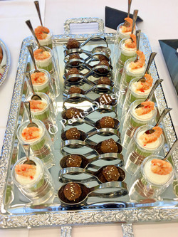 Crevetten, Avocado, Grapefruits / Rindshackbällchen Teryiaki