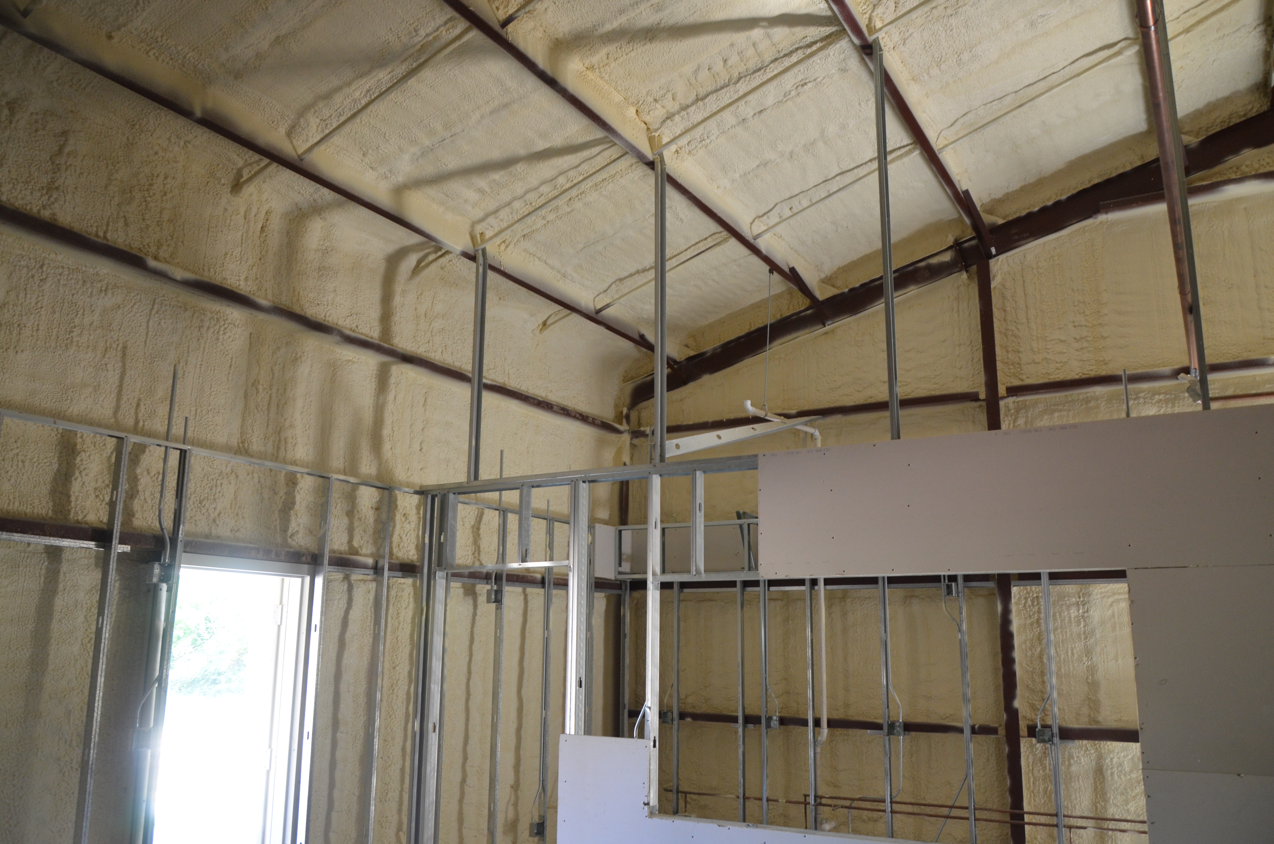 Building Metal Finishes : Metal building spray foam insulation