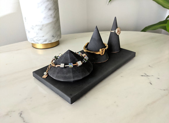 Jewelry bracelet and ring holder set with a tray