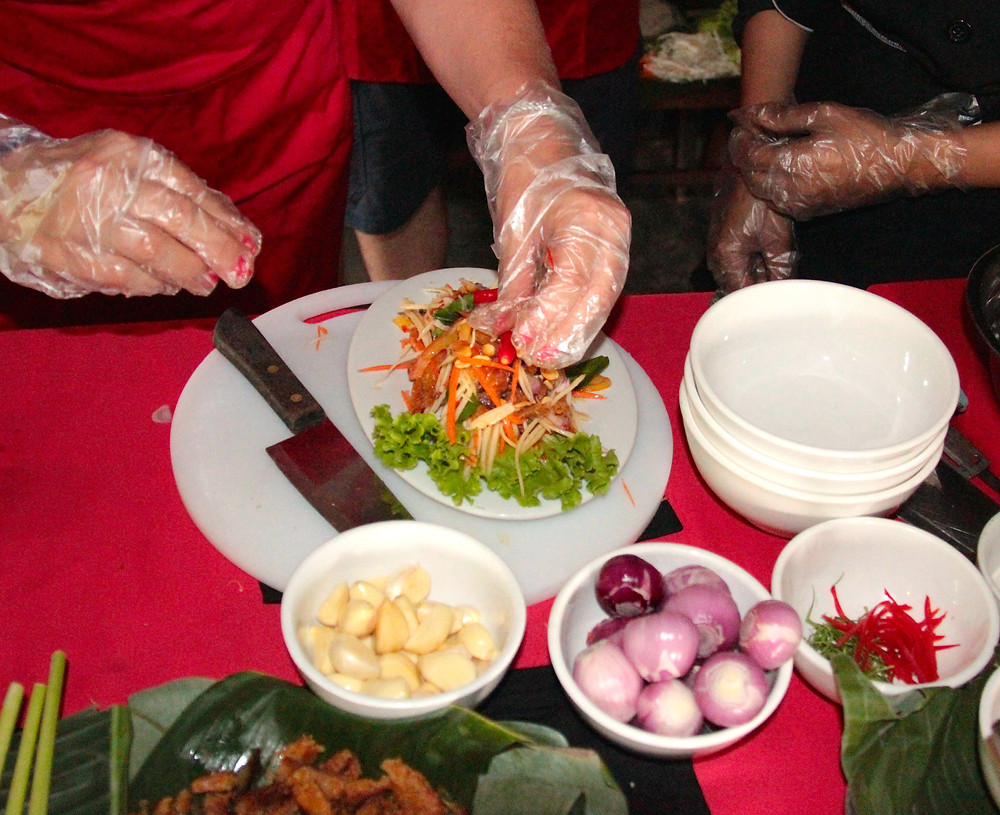 A Cooktuk cooking class