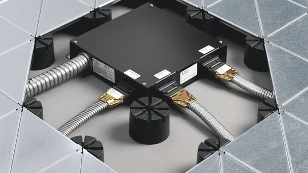 Low Profile Raised Floor System   Underscore   Steelcase   USA