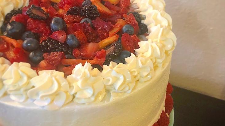 Medium Occasion Cake