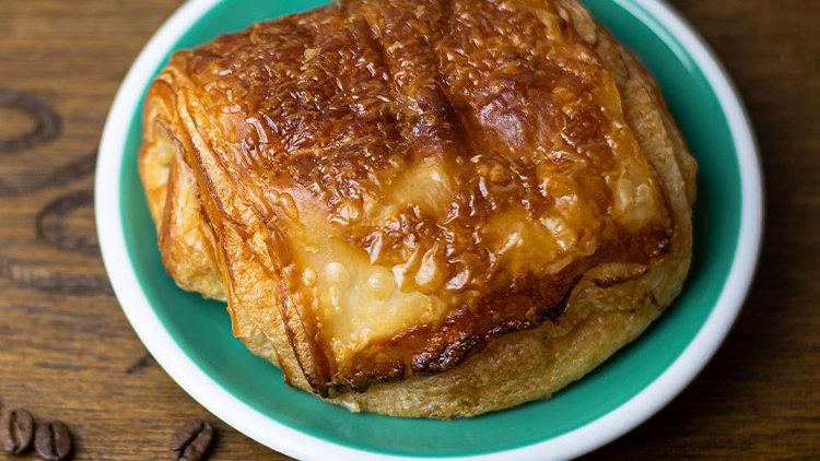 Pan De Chocolat Croissant