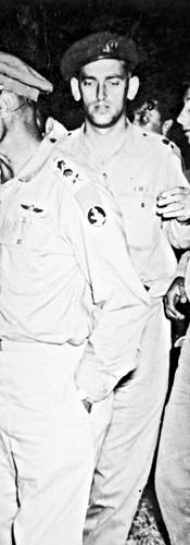 עם דיין בפעולת התגמול ברהווה, 1956
