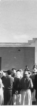 לפני בית המושל באל־עריש במבצע קדש, 1956