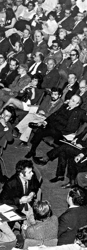 נואם בקונגרס הציוני, 1972