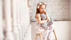 Top 5 Creative Newborn Beanbag Poses To Consider