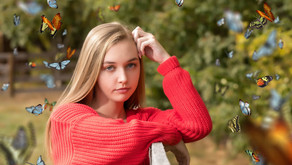 Choosing the Right Accessories for Your Senior Portraits