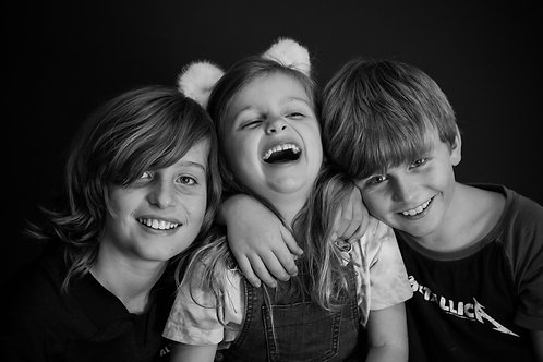 SIBLING Photo. Can only be booked in addition to the childs portrait session