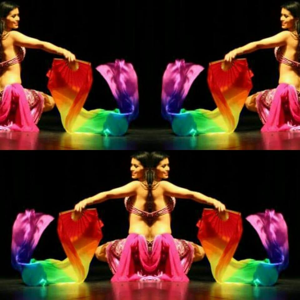 Danza con Abanico de Seda