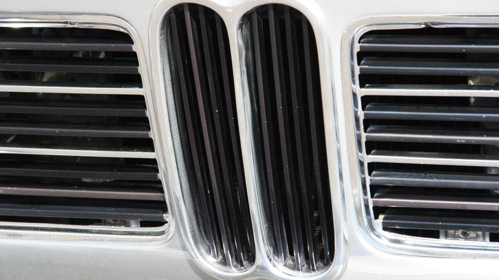 BMW 2002 à la location