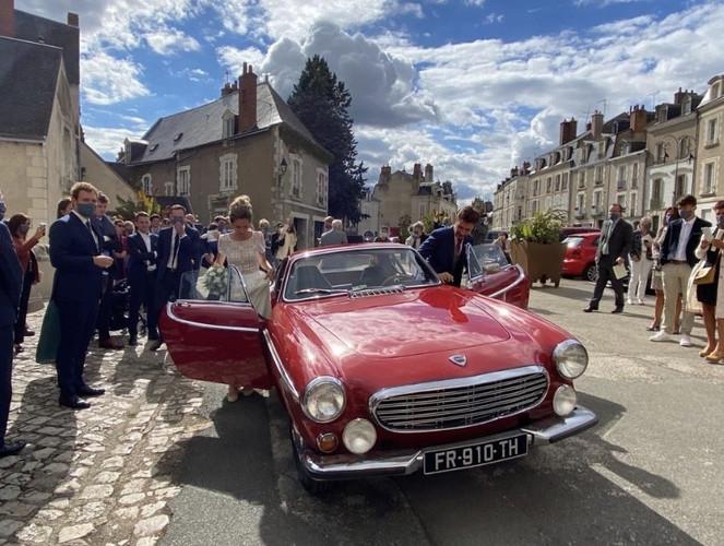 Location de voitures anciennes pour mariages| Cockpit Vintage Cars & Tourism