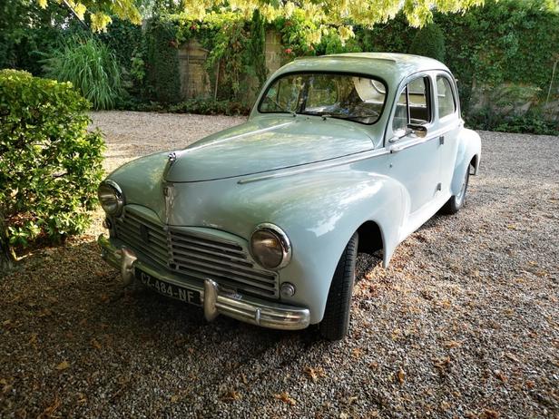 Louer une Peugeot 203