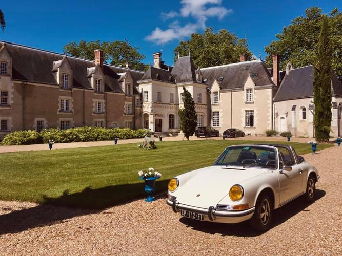 Porsche 911 et château en Val de Loire | Location de voitures anciennes | Cockpit Vintage Cars & Tourism