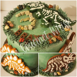 DINOSAUR BIRTHDAY CAKE WITH COOKIES