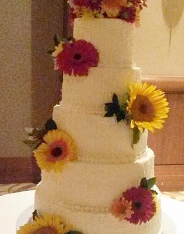 W_Tired Flowers Wedding_edited.jpg