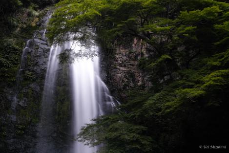 箕面の滝.20190817.2048px.jpg