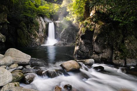 鳴沢の滝.20190817.2048px.jpg