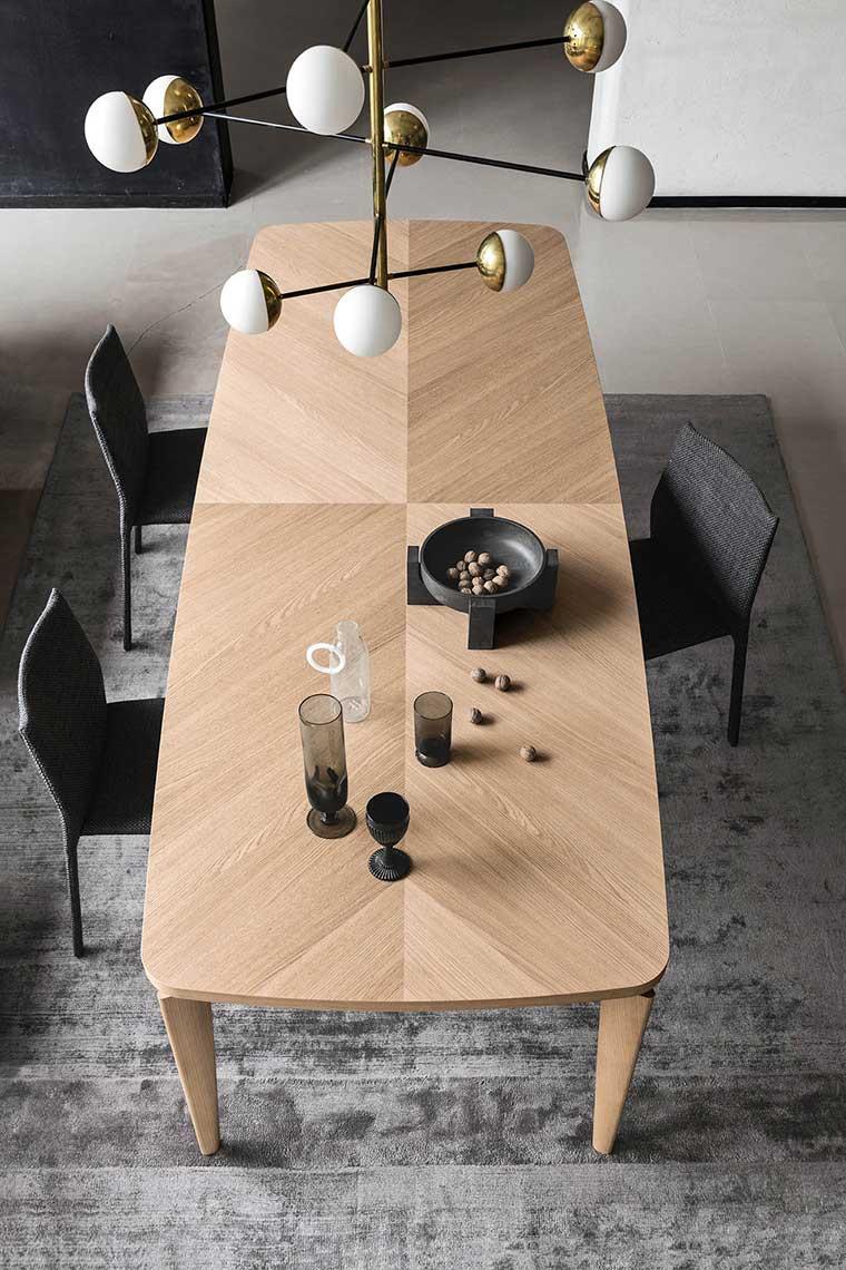 fyra table 02.jpg