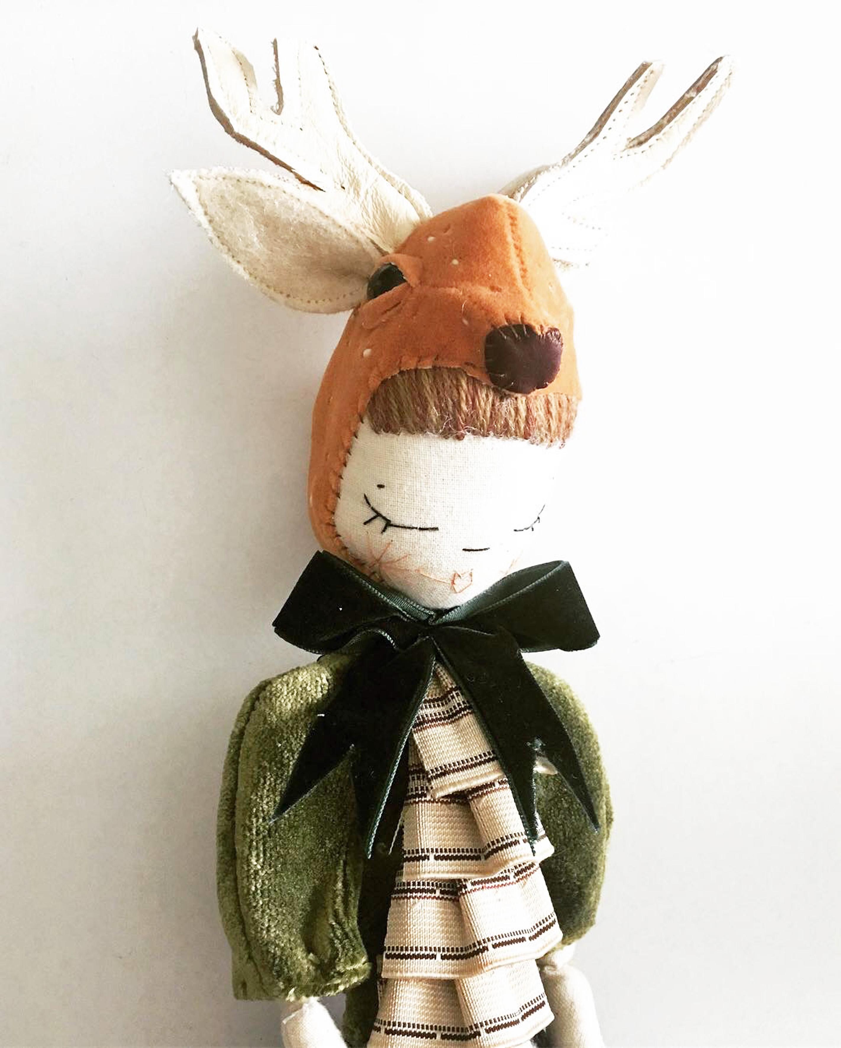 deer in green velvet 2018
