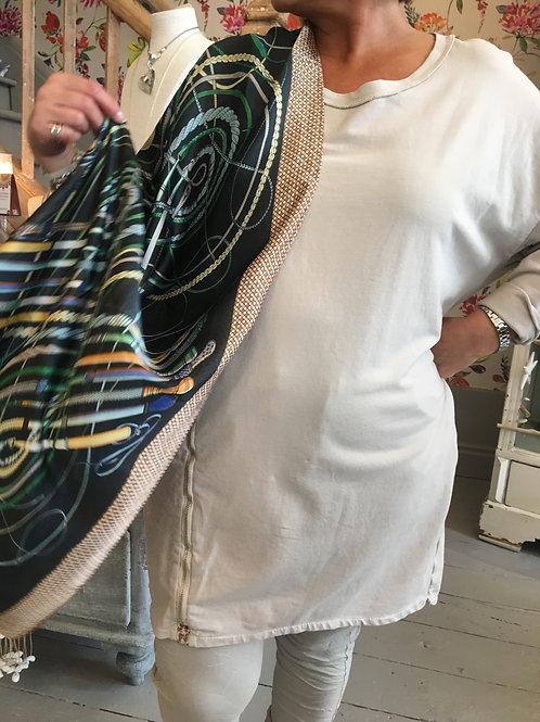 Silky printed scarf