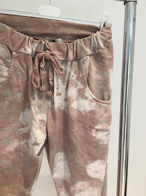 Pale pink marble print jersey pants