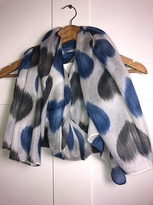 Grey/blue heart scarf