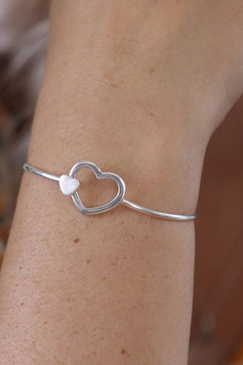 Silver double heart clip bangle