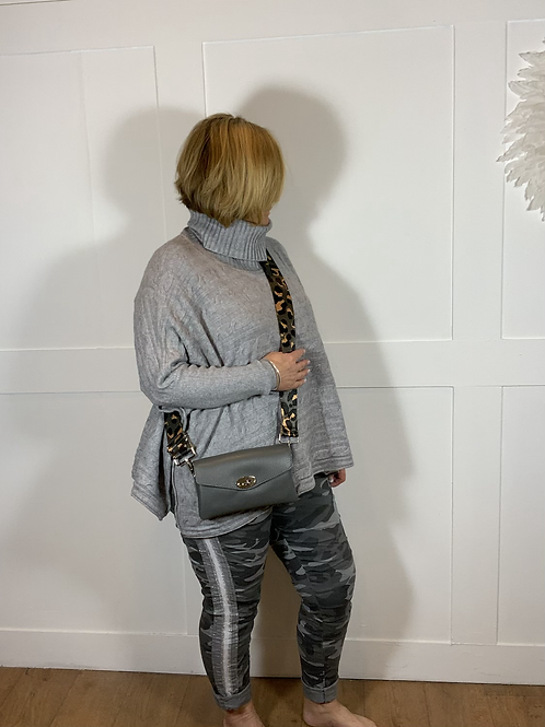 Grey leather bag with grey leopard strap