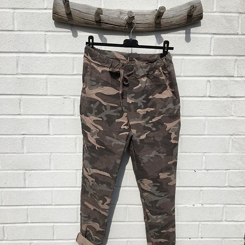 Brown camo stretchy pants