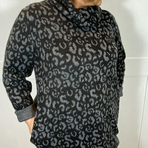 Grey/black leopard dress