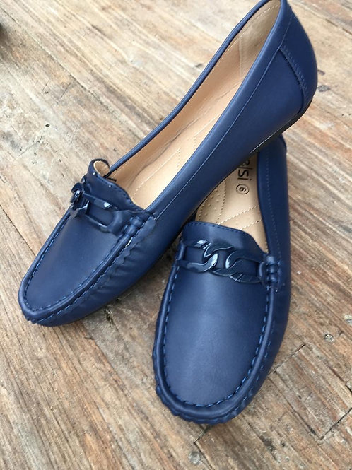 Navy loafer with chain
