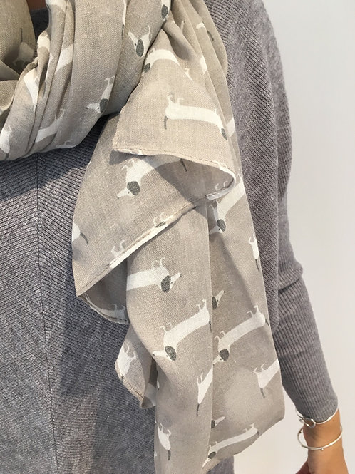 Dashund scarf grey