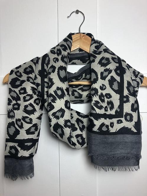 Grey leopard scarf