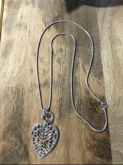 Pattern heart long necklace