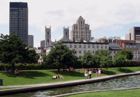 Montréal, fut-elle fortifiée et pourquoi?