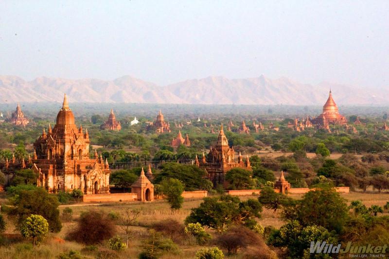 Depuis quelques années, Bagan en Birmanie attire de plus en plus de touristes