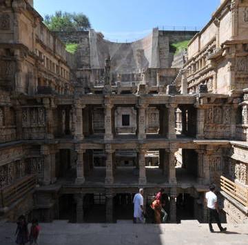 Rani-ki-Vav - Le puits à degrés de la Reine
